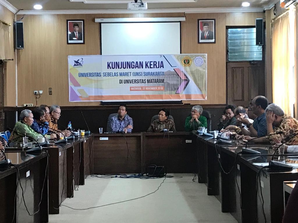 Kunjungan Kerja Universitas Sebelas Maret (UNS) Surakarta di Universitas Mataram